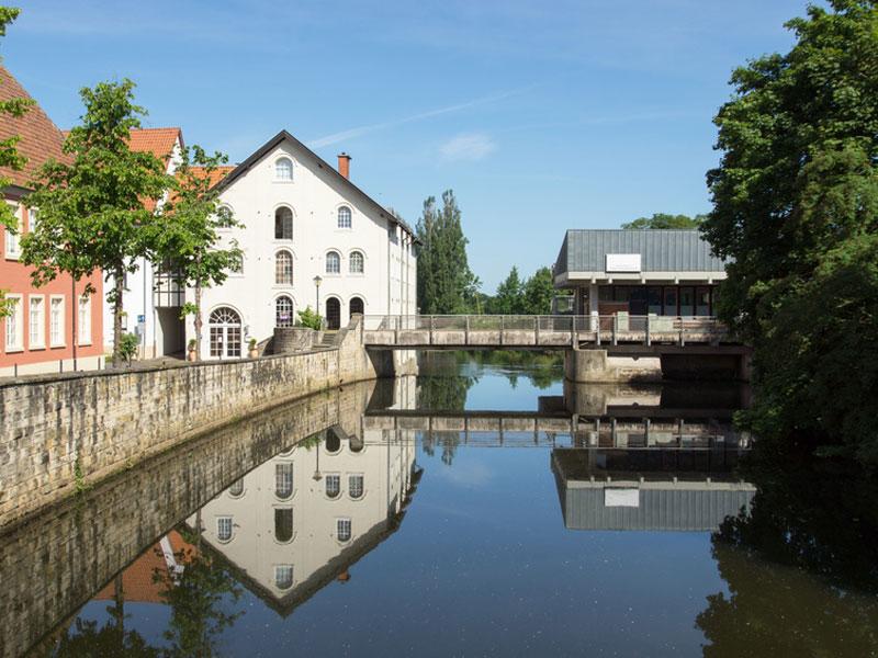 Warendorf: Schöne Stadt und bekannt für seine Hengstparaden